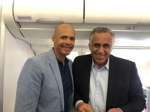 Medallista olímpico, Félix Sánchez y el presidente del Comité Olímpico Dominicano (COD), Luis Mejía Oviedo.