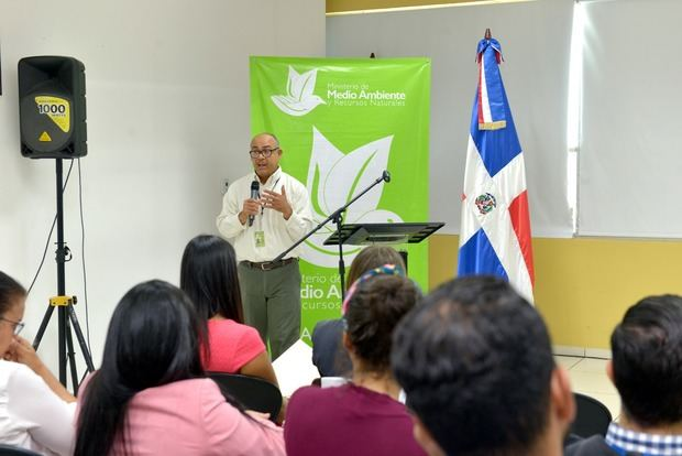 Ministerio de Medio Ambiente y Recursos Naturales organizó una Mesa de Cooperantes que integran a organismos internacionales.