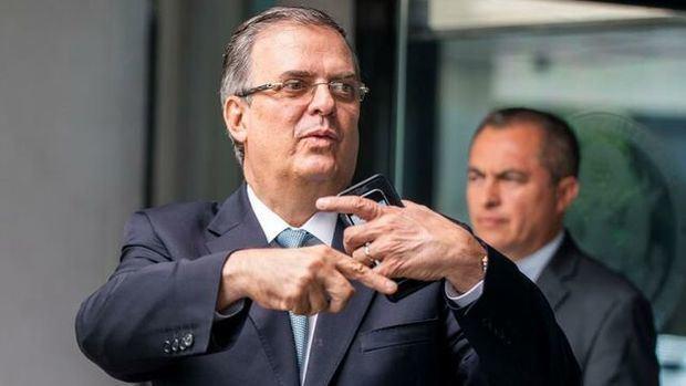 El ministro de Exteriores de México, Marcelo Ebrard, a la salida del Departamento de Estado en Washington.