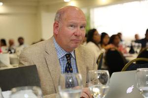 Michael A.O'Neill, profesor de la Universidad de Ottawa, Canadá.