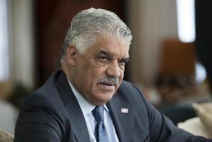 Ministro de Relaciones Exteriores, Miguel Vargas Maldonado, aseguró que se comunicó este miércoles por videoconferencia con todos los embajadores dominicanos y jefes de misión en el hemisferio occidental.