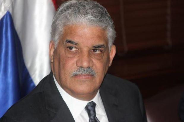 Vargas llama a los perredeístas a no votar en las primarias de otros partidos