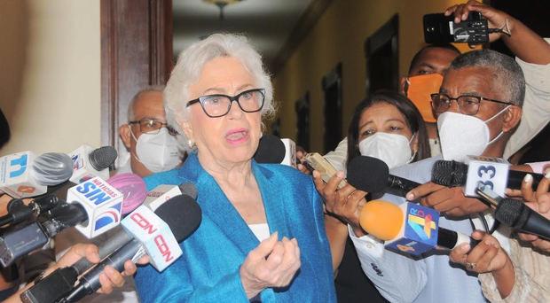 """Milagros Ortiz Bosch: """"Los funcionarios juramentados el pasado 16 de agosto depositaron su declaración jurada"""