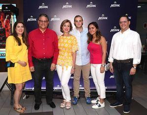 Julie Mejía, Raúl Rizik Yeb, Alexandra Mejía de Rizik, Raúl Karim Rizik, Lisa Rodríguez y Guido Gil.