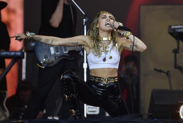 Sánchez a Miley Cyrus: España tiene un compromiso fuerte con los vulnerables