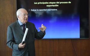 El especialista italiano, Nicola Minervini, durante su disertación.