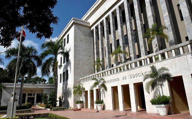 Edificio del Ministerio de Educación Santo Domingo.