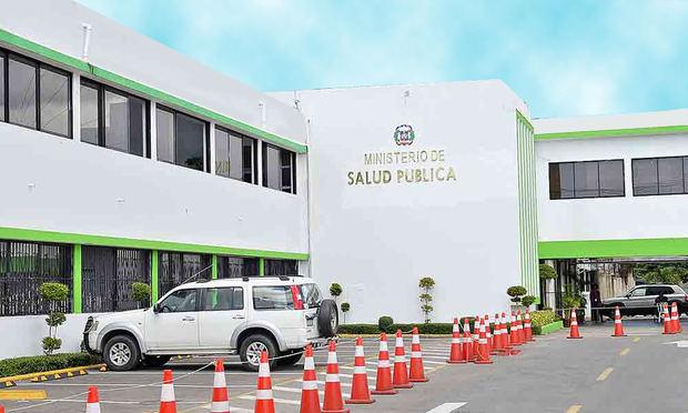 Salud Pública da 60 días a centros cirugía estética para obtener habilitación