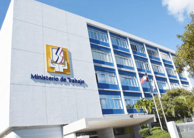 Ministerio de Trabajo invita a jornadas de empleos en San Cristóbal y La Vega