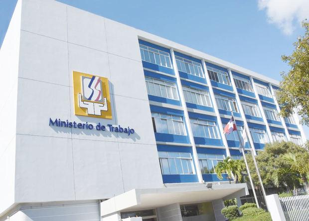 Ministerio de Trabajo instruye a empresas ubicadas en zonas de alerta roja flexibilizar jornadas de trabajo ante el paso de Grace