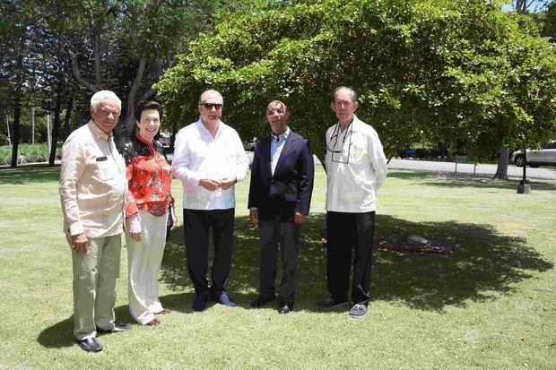 Consejo de directores Universidad Isa y Servicios Comunitarios recibe al ministro de Cultura