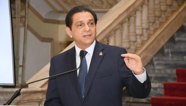 """Ministro de Salud: """"El Gobierno ha asumido con responsabilidad los efectos sociales de la pandemia"""