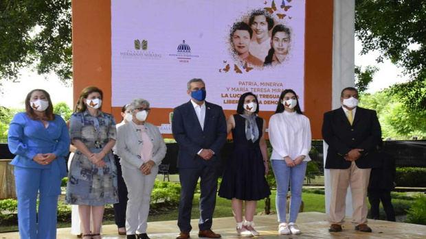 Abinader llama a mantener viva en la memoria nacional a las Hermanas Mirabal