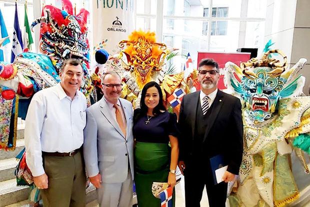 MITUR se une a la alcaldía de la ciudad de Orlando FL para celebrar el Mes de la Hispanidad