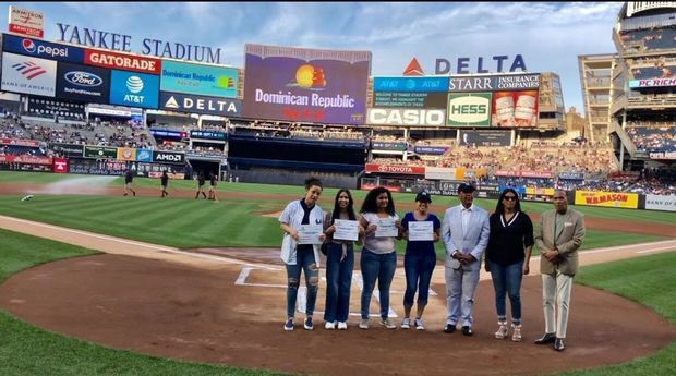 MITUR celebra 'Dominican Day at the Ballpark' en varios estadios.