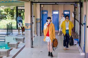 Los modelos presentan creaciones de la colección masculina Primavera / Verano 2020 El diseñador francés Bruno Sialelli para Lanvin durante la Semana de la Moda de París, en París, Francia.