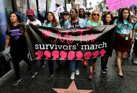 Mujeres protestan.