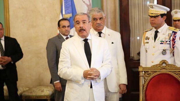 """Medina pide que lo """"dejen trabajar"""" cuando le preguntaron por reelección"""