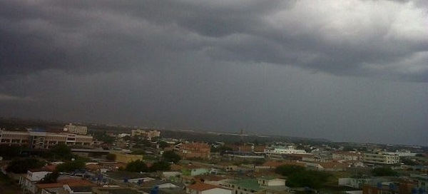 Nublados con aguaceros y tronadas en algunas localidades