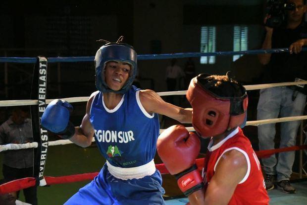 Núñez, Mejía y Secilia consiguen sendos nocauts en apertura Copa Esmeralda de Boxeo