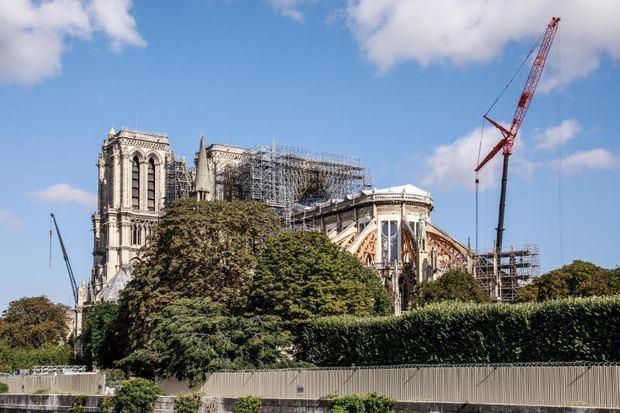 Las obras de Notre Dame de París se reanudan con más medidas de seguridad
