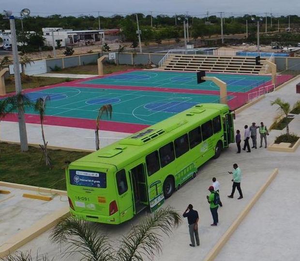 Desde hoy OMSA brindará transporte a fanáticos del Baloncesto Superior del Distrito Nacional