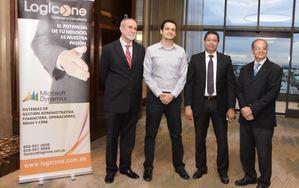 Ejecutivos de LogicOne y Microsoft Dominicana.