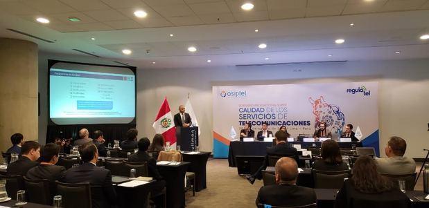 Presidente Indotel discute en Lima sobre oferta de servicios de las TIC de alta calidad.