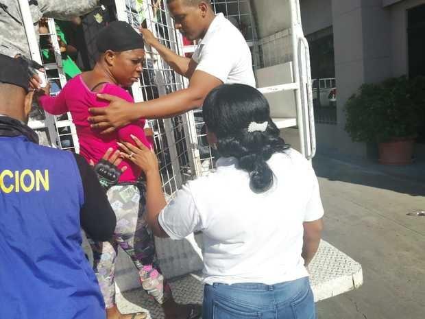 Migración deporta 1,175 nacionales haitianos.