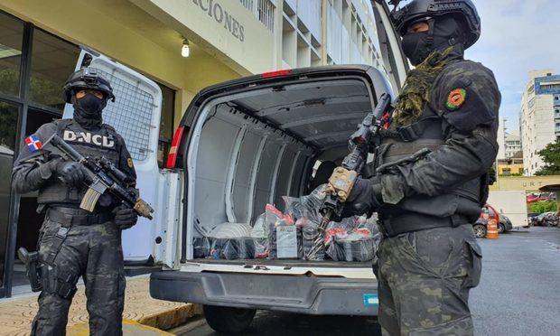 Las autoridades se incautan de 450 paquetes de drogas en el Puerto Caucedo