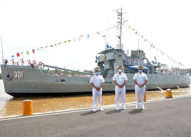 Armada inicia crucero de instrucción.