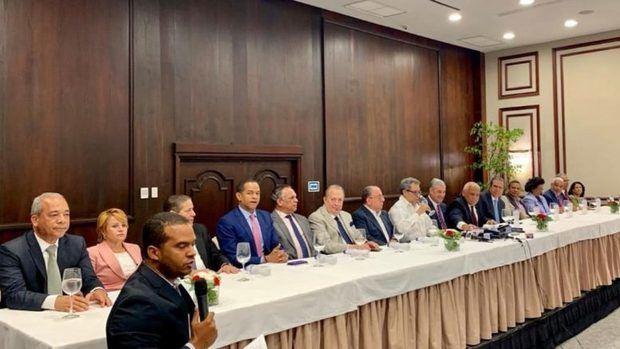 Miembros del comité político del Partido de la Liberación Dominicana (PLD) ofreció su respaldo a Gonzalo Castillo como pre candidato