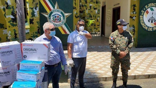 El PRM dona equipos para combatir el coronavirus en San Francisco de Macorís