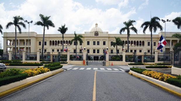 El Gobierno otorga a las alcaldías recursos para el pago del salario 13