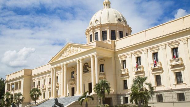 Presidente Medina designa a Nathanael Jiménez Green y a Edgar Morales, nuevos subdirectores DGII