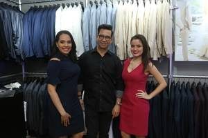 Pamela Ravelo, Julio Hernández, y Cristina Waked.