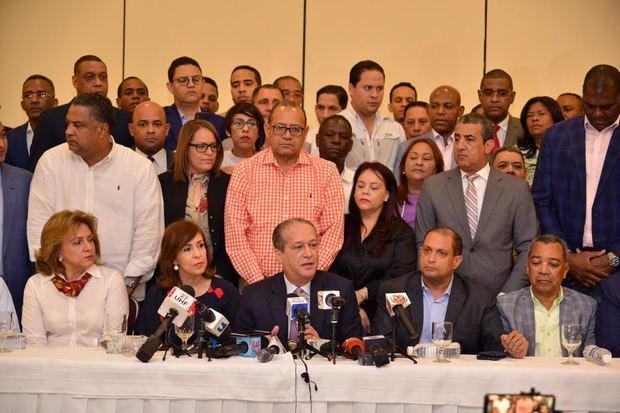 Pared Pérez renuncia a sus aspiraciones a la candidatura presidencial