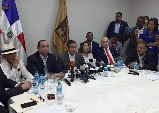Oposición exige a JCE una reunión urgente y consensuar calendario electoral.