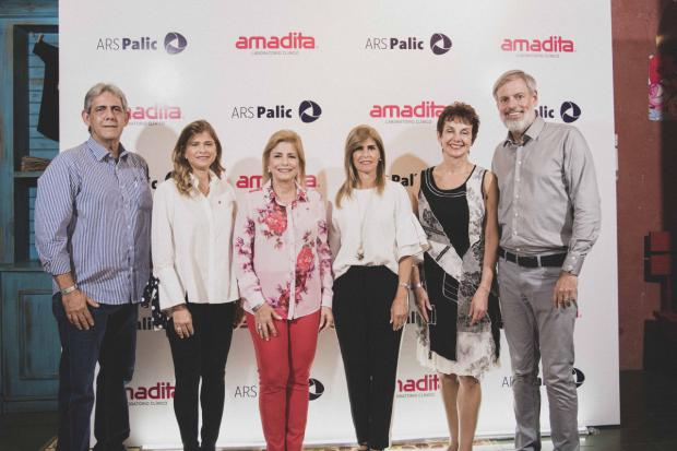 Paul Martínez, Aimee González, Patricia González de Bergés, Jackeline González, Lori Tymschick, Mark Climie-Elliott
