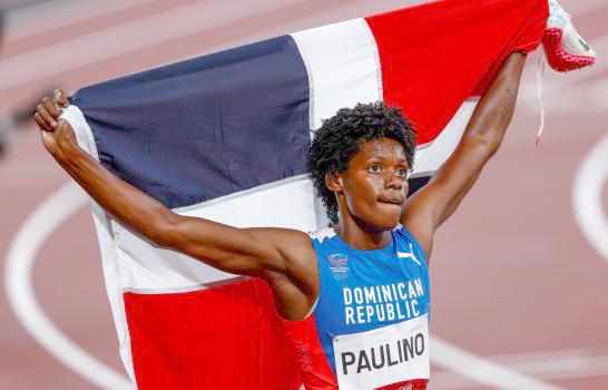 Velocista dominicana llegó este domingo al país, luego de su exitosa participación en la liga diamante