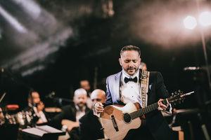 """""""Big Band Núñez, oratoria mode"""" del más destacado cantautor dominicano en la actualidad, Pavel Núñez."""