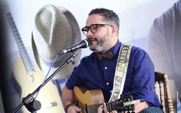 Pavel Núñez con tres nominaciones a Premios Soberano, como cantante solista y compositor del año