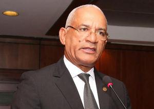 El presidente del Colegio de Notarios, Pedro Rodríguez Montero, expone en la puesta en circulación de su libro.