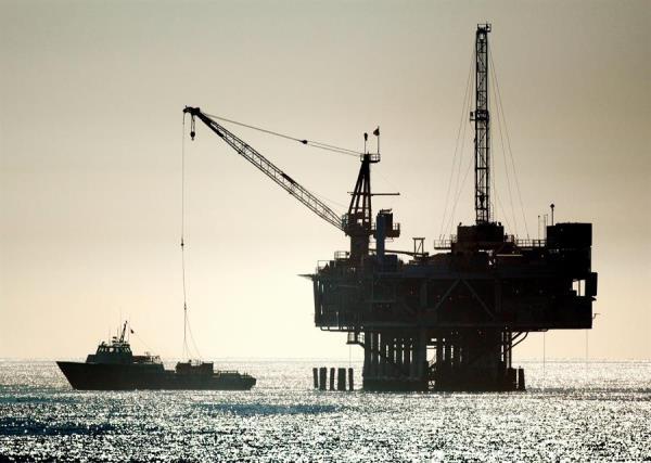 El petróleo de Texas se mantiene pese a que las reservas son menores de lo esperado