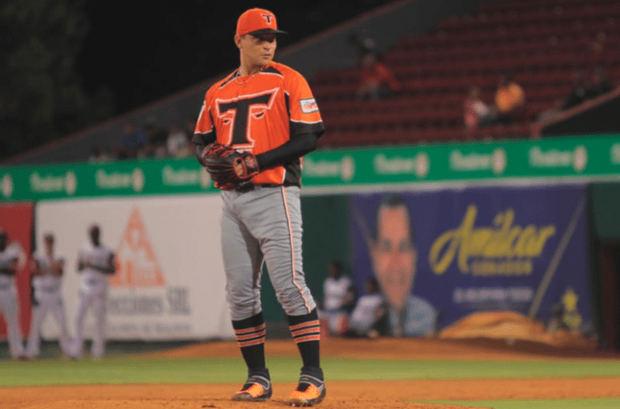 Con dominante pitcheo del cubano Martínez, los Toros amarran a las Águilas