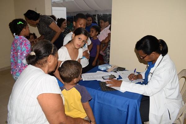Plan Social realiza operativo médico en Los Alcarrizos