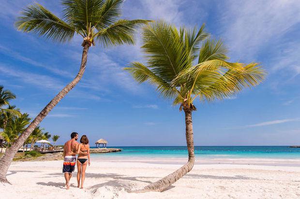 La llegada de turistas cae 43.4 % hasta abril en R.Dominicana por el COVID-19.