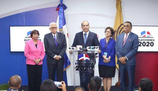 JCE dispone firma internacional realice auditoría al voto automatizado