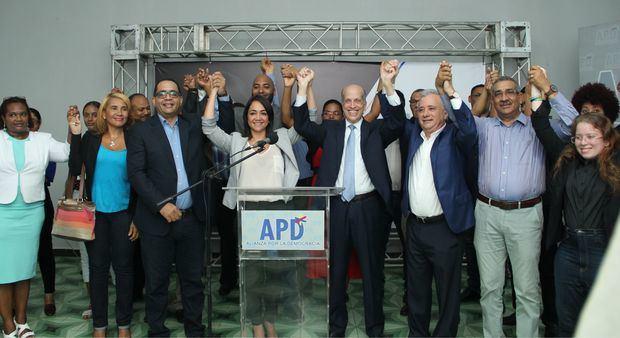 Dirigentes de APD durante el acto de proclamación.