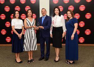 La empresa de Telecomunicaciones Claro, fue reconocida recientemente como Empresa Líder en el país por la revista Summa.